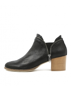 METAN BLACK CUT LEATHER