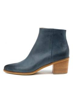 EMILEE NAVY LEATHER